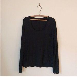 Lululemon black long sleeve top, like new, Size 4